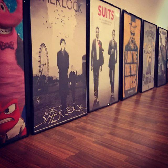 Im Flur entsteht eine Galerie mit meinen Favorites Movies und TV Shows! #christmas