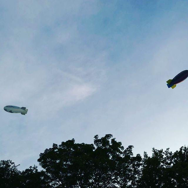 Zeppeline über Bilderstöckchen