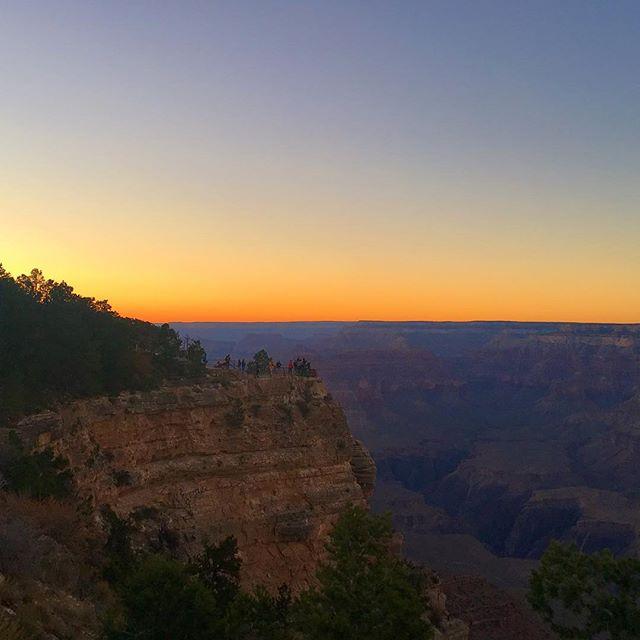 Grand Canyon #sunset #roadtrip #grandcanyon
