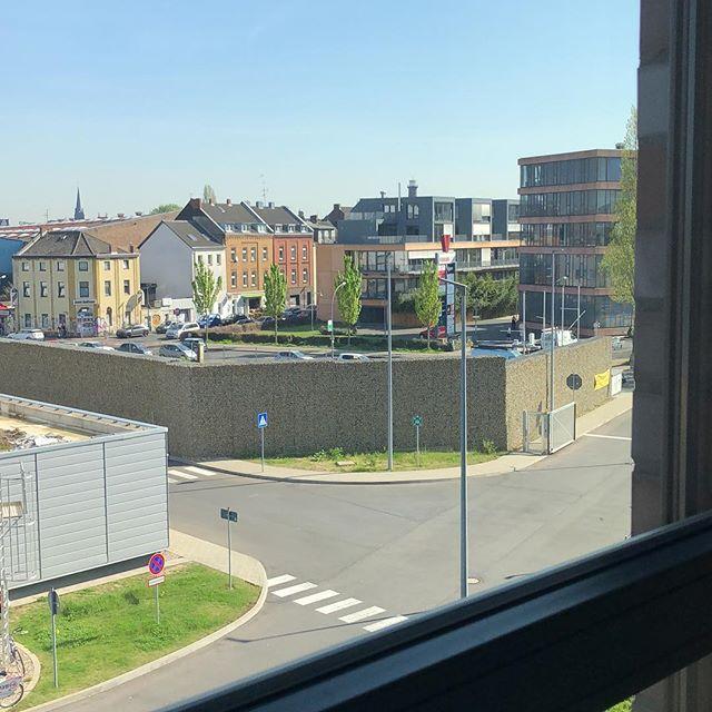 Neues Büro, neue Aussicht. Vermisse schon jetzt den Blick auf den Kölner Süden. #kernpunkt #agentur